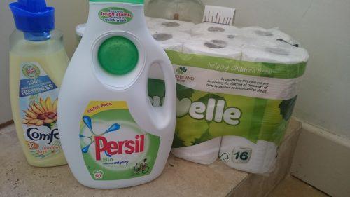 洗剤、トイレットペーパー