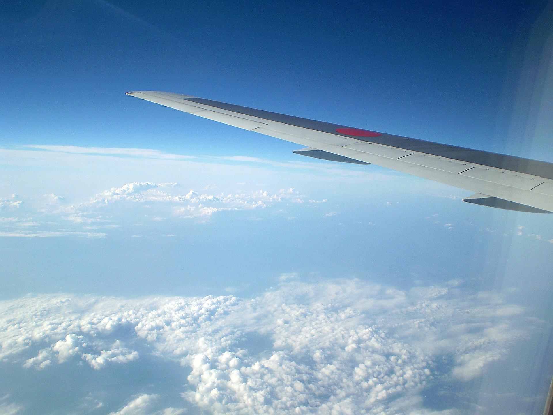 飛行機で空の上